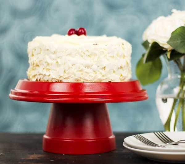 Quick and Easy DIY Cake Stand