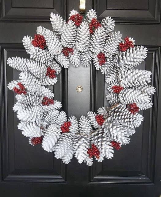 Easy Elegant Handmade Christmas Decorations: Elegant DIY Ideas For Decorating With Pinecones