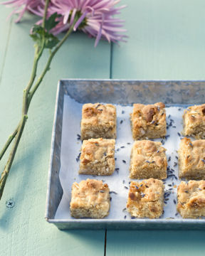 Blondies with Almond Flour and Almonds