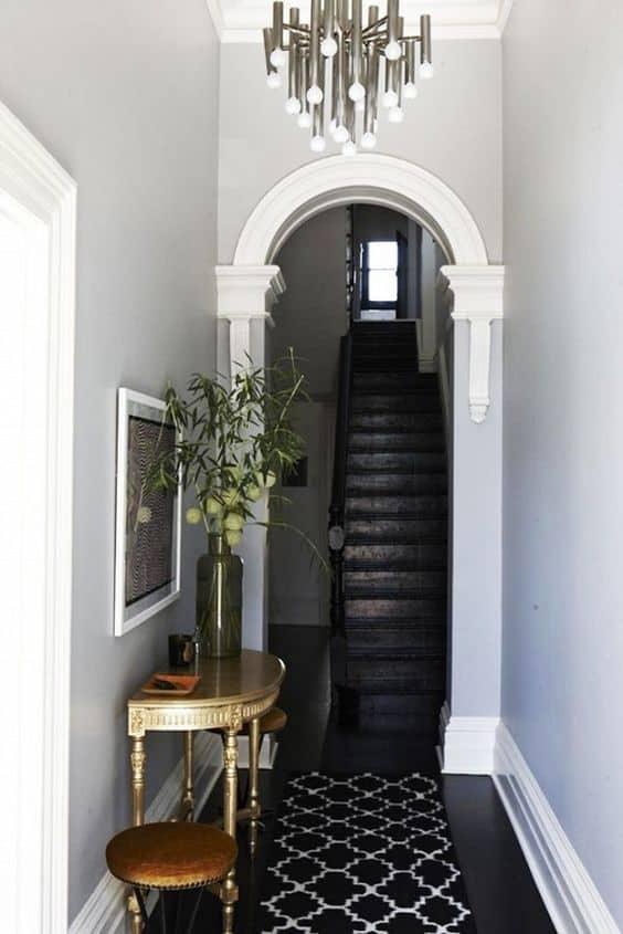 how to decorate hallway