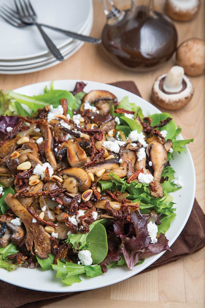 warm mushrooms salad with creamy goat cheese and balsamic ...