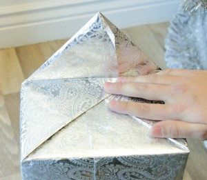 PresentsWrapping_Step3a-300x261