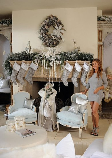 christmas decorating with the stars home trends magazine - Celebrities Christmas Decorated Homes