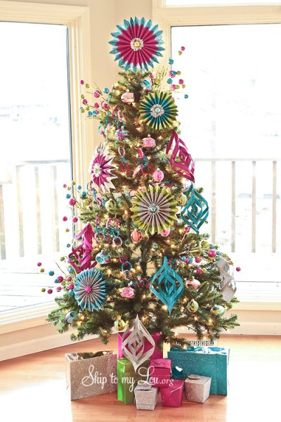 pink-and-blue-colored-whimsical-christmas-tree