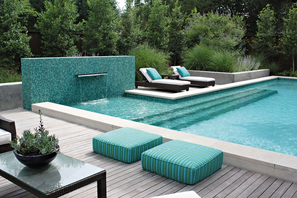 charming-outdoor-mini-swimming-pool-designs-with-dark-wooden-deck-plan-and-lovely-green-cushion-ideas-945x630