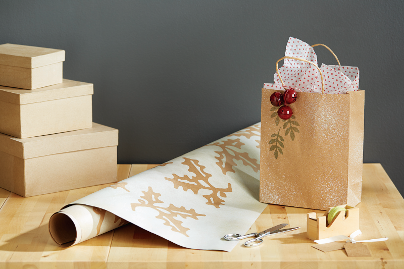 Remarkable Wrapping - paper and bag