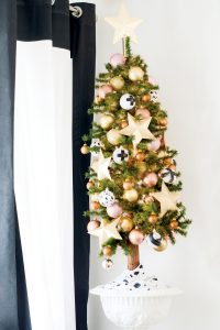 Christmas_Home_tour_Cuckoo4Design_1