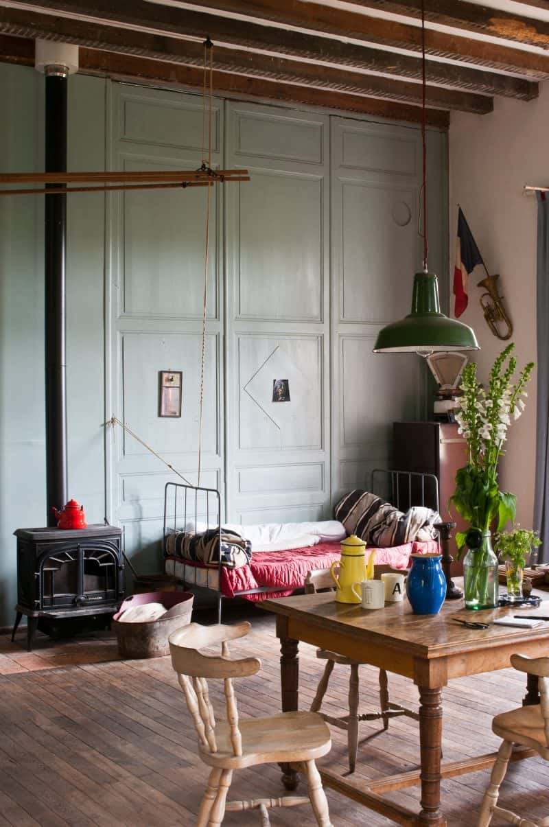 Room-Recipes-for-Style-and-Colour_Alex-Russell-Flint-bedroom