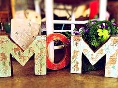 mom-759216__180
