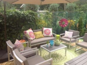 6 outdoor furniture must haves trends home trends magazine for Outdoor entertainment area on a budget