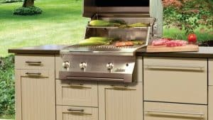 Photo Source: Canadian Home Trends, Five Tips for Creating the Perfect Outdoor Kitchen