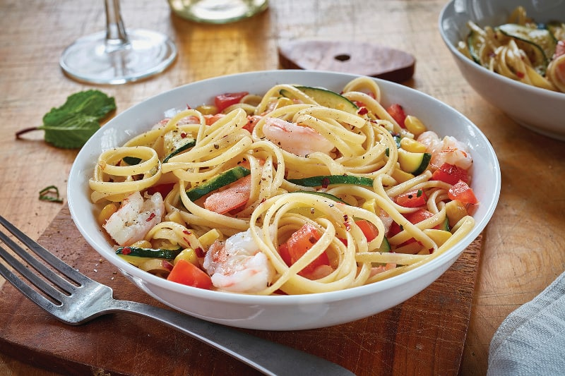 Linguine with Shrimp, Zucchini and Corn