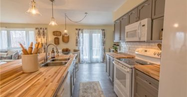laid back kitchen