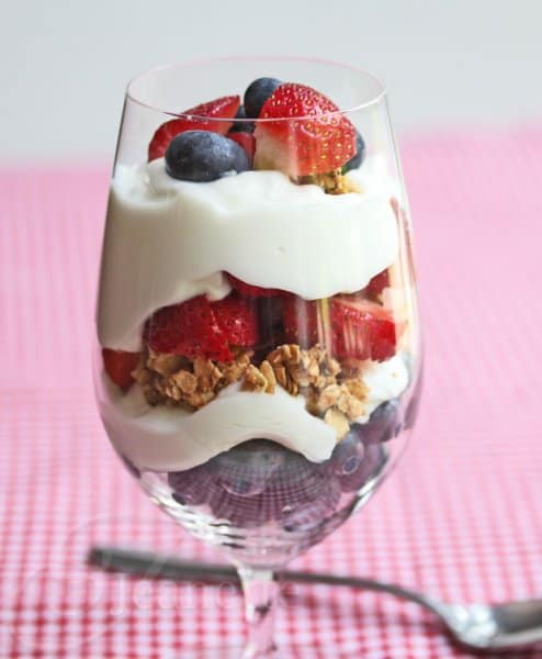Berry Yogurt Granola Parfait