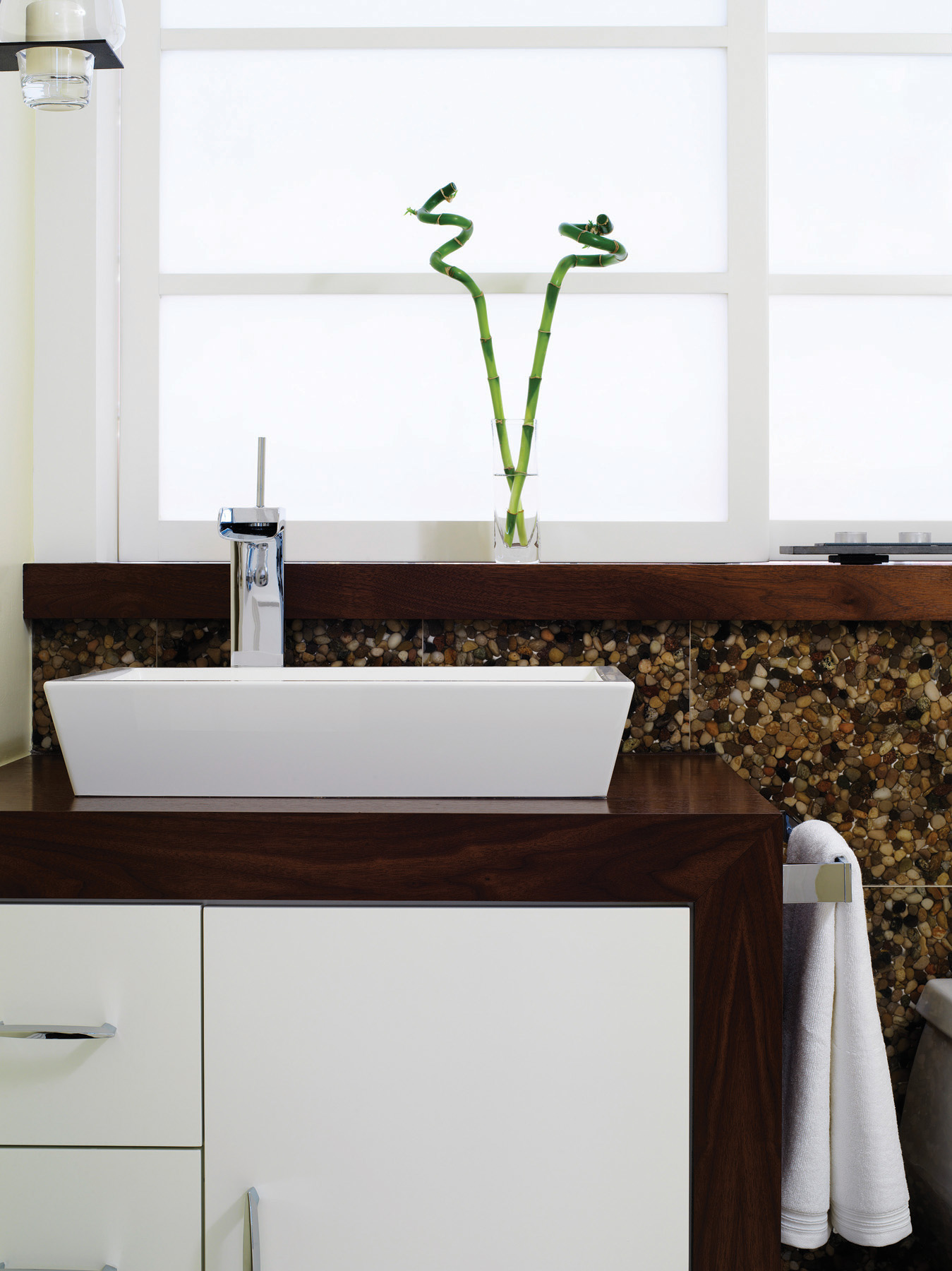 A One-Day Bathroom Makeover Even You Can Do | Home Trends ...