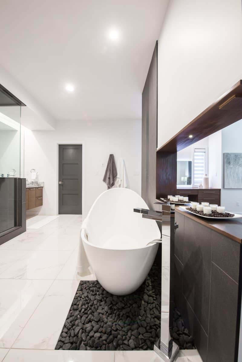 powder rooms and en-suites